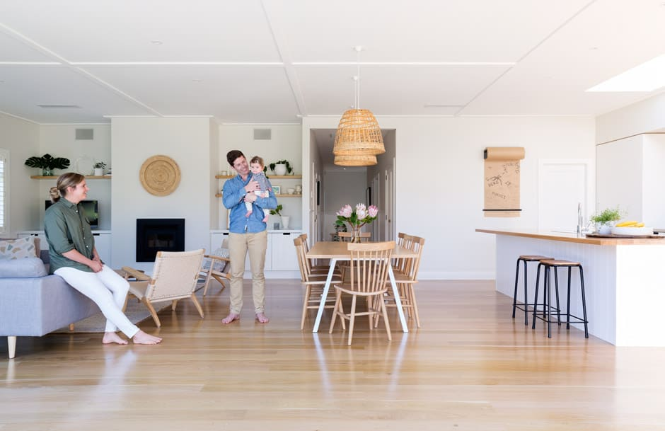 JUST ENOUGH Aimee loves Scandi style and has incorporated colours, furniture and accessories that epitomise the lightness and restraint of the look, including a Custom Splay Bench table from Paper Plane, Spindle Back chairs from Città and pendant lights from Collected. A paper roller by George & Willy is a handy addition in the kitchen, and provides a subtle visual connection with the inky shade of the stools from Flotsam & Jetsam.